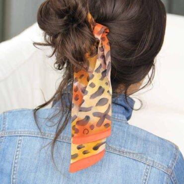 szaliczek z jedwabiu na włosy