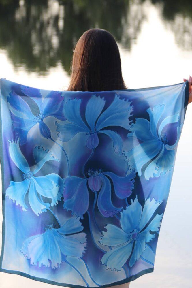 apaszki ręcznie malowane w niebieskie chabry