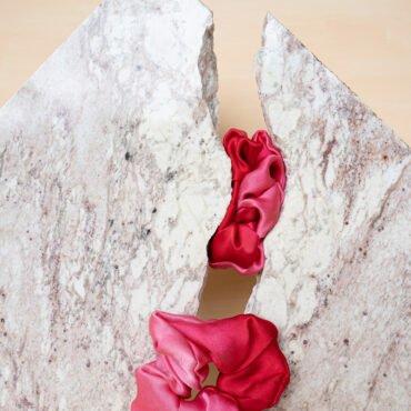 gumki z jedwabiu czerwone Silkadore