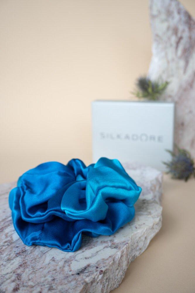 jedwabna gumka do włosów niebieska